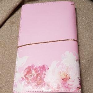 Staples Office - Traveler's Notebook Set
